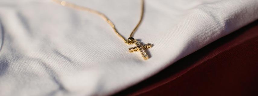 Βαπτιστικός Σταυρός – Το κόσμημα σύμβολο