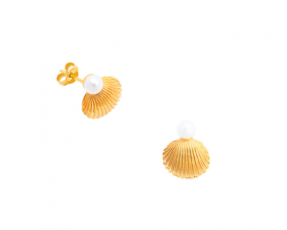"Image of """"Pearl in Oyster"" silver earrings gold plated"""